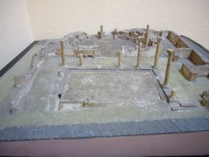 1024px-MCR_-_maquette_della_biblioteca_di_Timgad_1150146